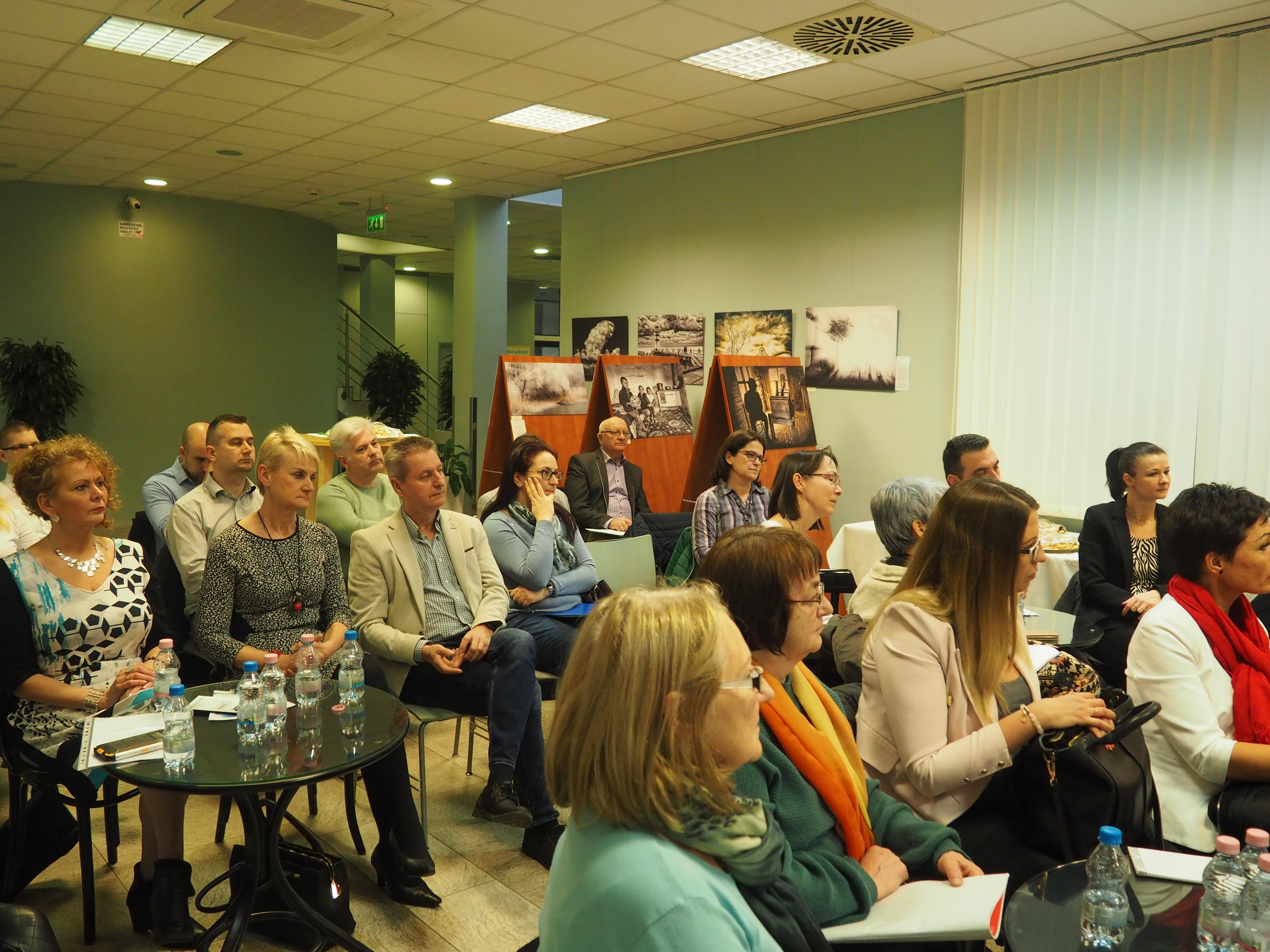 KKÁVÉ KEDD – Információ, szakértelem, közvetlen kapcsolatépítési lehetőség