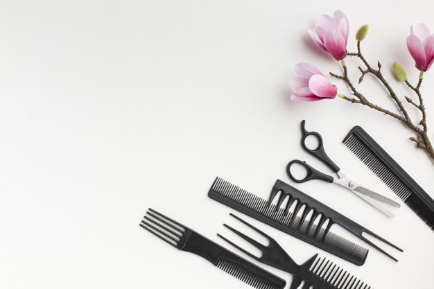 Radics Angelika mesterfodrász: elvitelre kikevert hajfesték és online hajvágás