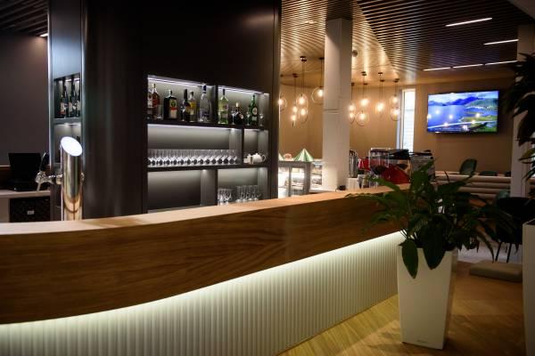 Café '857 néven üzleti kávézó nyílik a kamarában