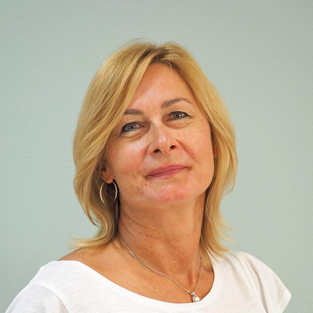 Csánó Krisztina